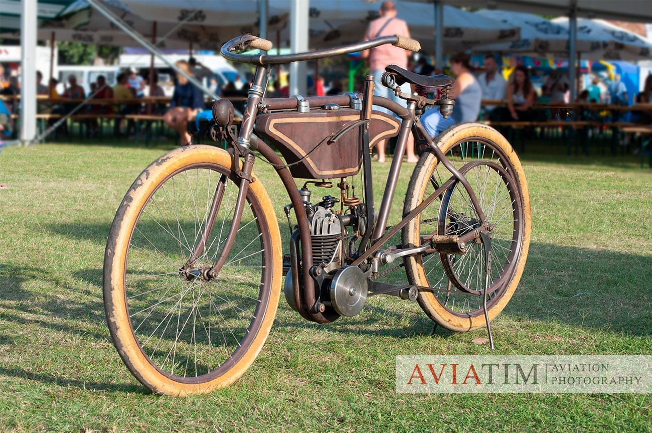 7. .Szeged Air Show. Vintage Motorcycle. Airshows.